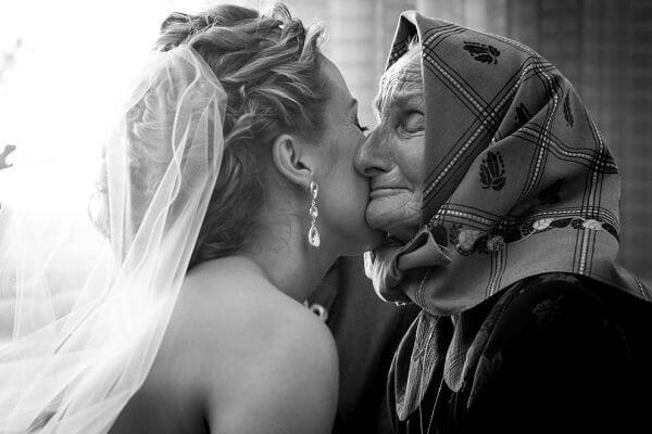 Мудрая бабушка перед свадьбой внучки дала ей вот такое наставление!