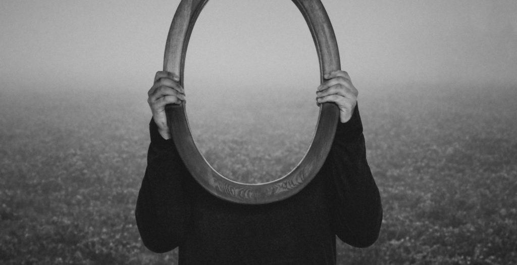 Обесценивание — как способ не благодарить