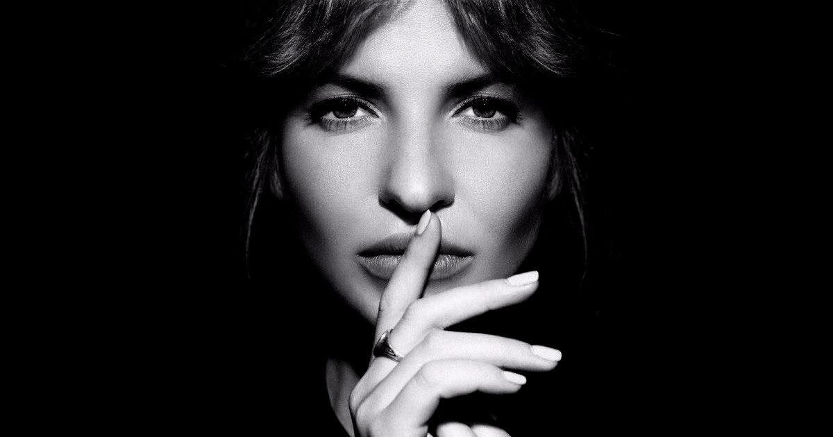 «Я теперь ничего не ищу, значит, я ничего не теряю» — трогающий глубины души стих Ах Астаховой