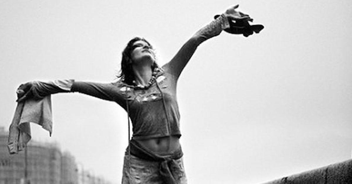«Какая роскошь — быть не в моде» — замечательное стихотворение Елены Мироновой