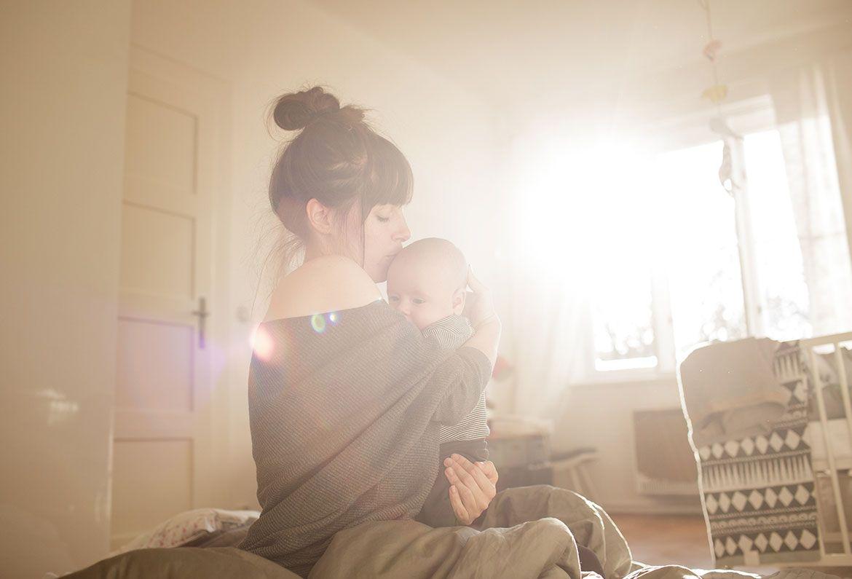 Люди воспитанные сильными мамами отличаются 14 особенностями