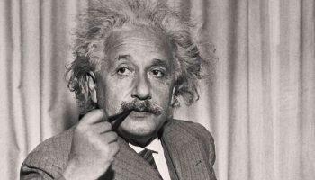 Эйнштейн: «Только дурак нуждается впорядке— гений господствует над хаосом»
