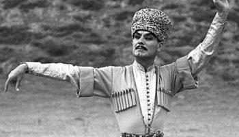 Легенда танца и его бог, Махмуд Эсамбаев: «Моя любимая еврейская мама»