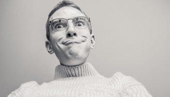 5 законов глупости: «Человек всегда недооценивает количество идиотов, которые его окружают»