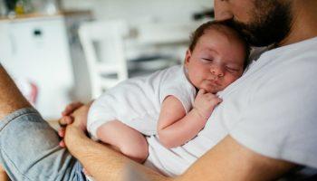 Отцовство — это не «помогать жене», а быть родителем своему ребенку
