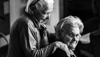 «Жизнь нужно смаковать, а не терпеть» — письмо 83-летней женщины, адресованное её подруге