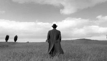 «Каждый выбирает для себяженщину, религию, дорогу» — мудрое стихотворение Юрия Левитанского