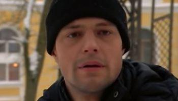 «Падал белый снег» — трогательная песня и красивый голос Артура Руденко