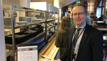 У депутатов в Швеции — нет ни помощников, ни шарового кофе
