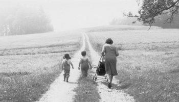 «Бабушка — это такая женщина, у которой нет своих детей» — cочинение ребёнка о бабушке