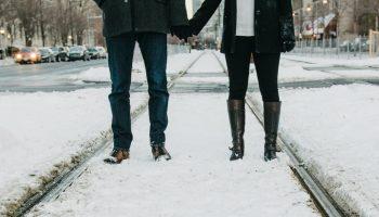 Почему женщина раз за разом выбирает мужчину, с которым брак невозможен?