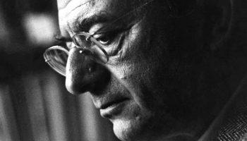 Эрих Фромм: Желание жить среди изобилия сбило человечество с правильного пути
